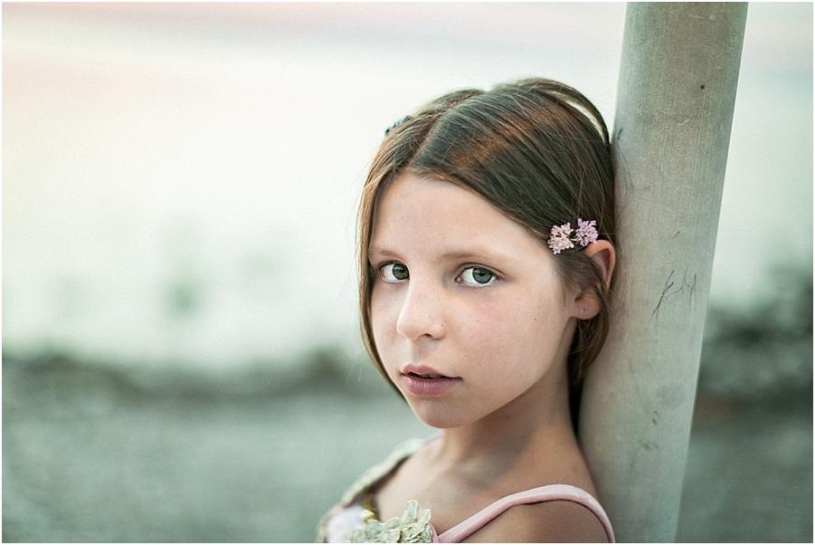 retrato niña playa