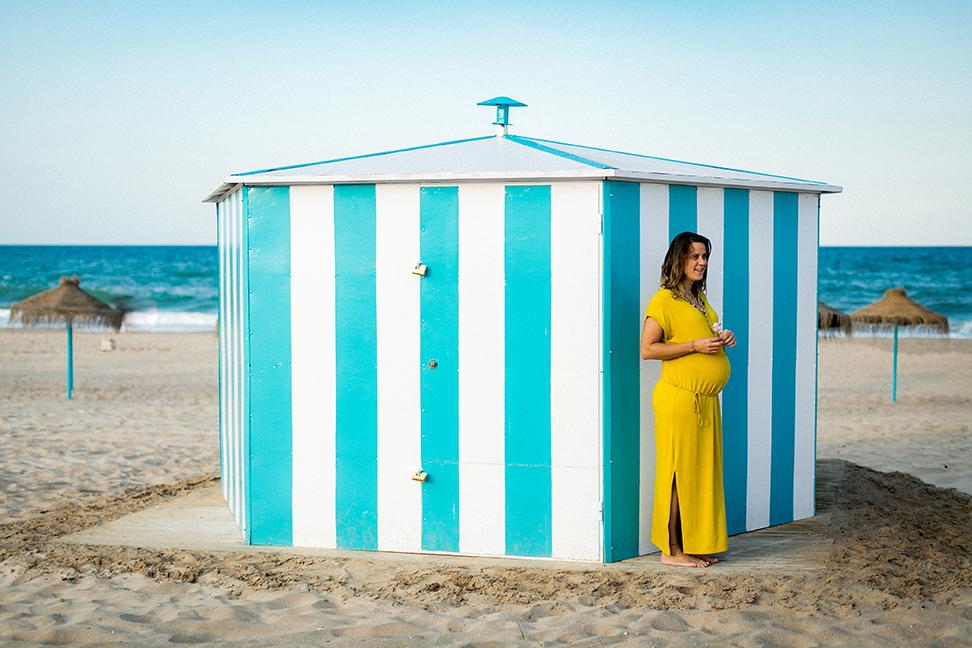 fotografia embarazo en la playa valencia